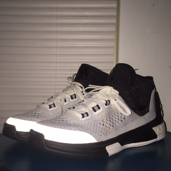 100% authentic 00eb2 28a7e sale adidas crazylight boost mid b788c 3b9fc